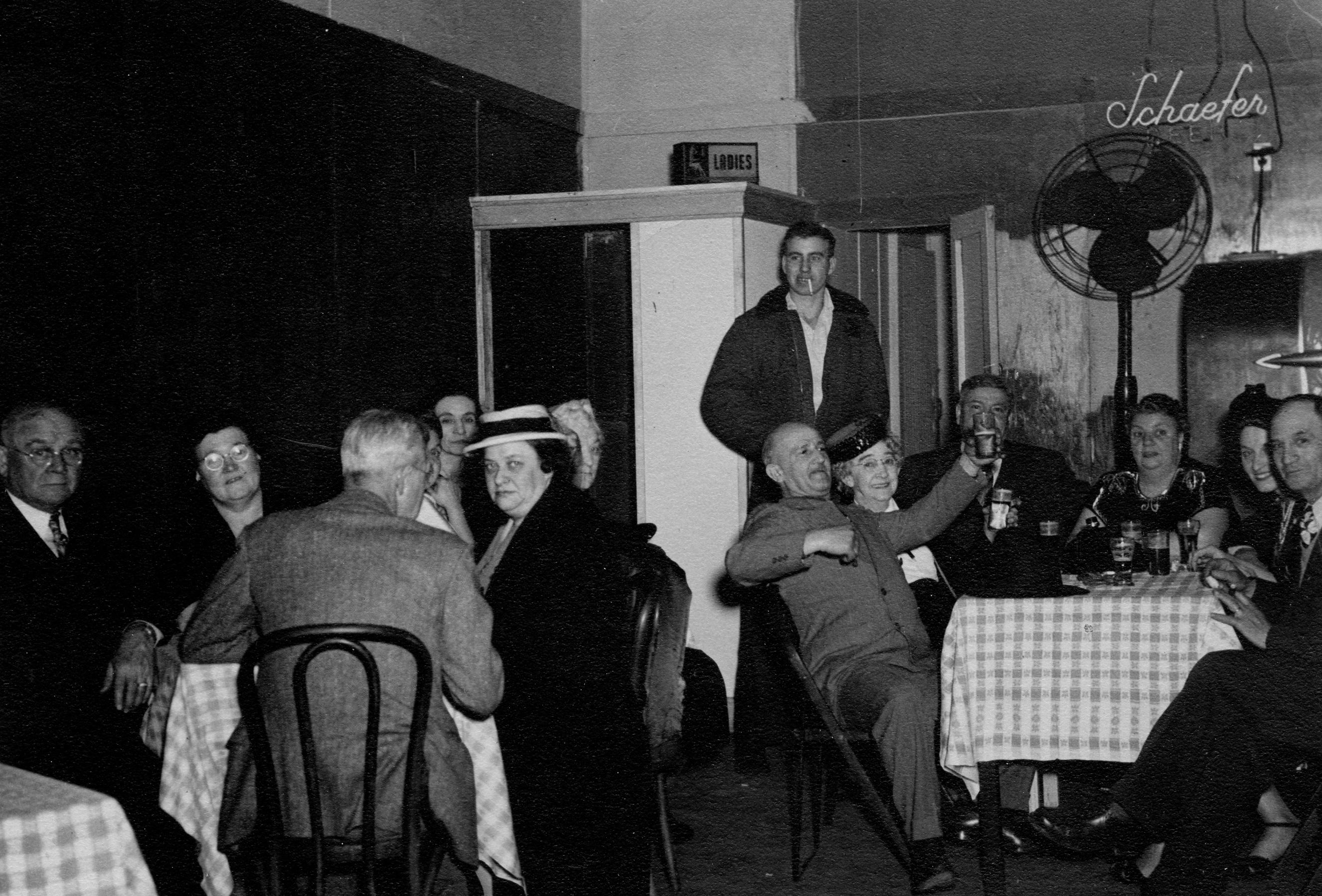 Irish Sweeneys Tavern